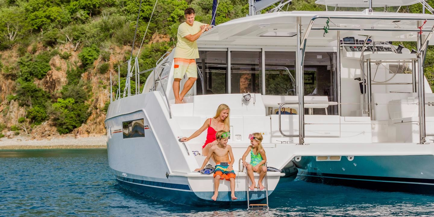 Exclusive Plus Leopard 4000 : Catamaran, 11.99 metri, 4+0 cabine, 3 bagni, anno 2018